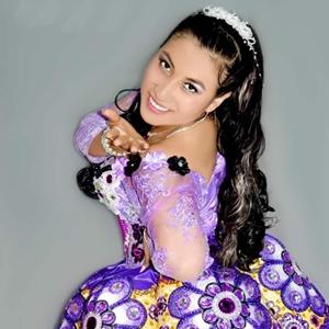 Edina Fernandez